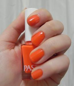 pastel turuncu oje