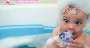 Yenidoğan Bebek Banyo Rehberi: Banyo Nasıl Yaptırılır, İhtiyaçlar